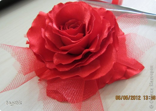Роза из фатина своими руками