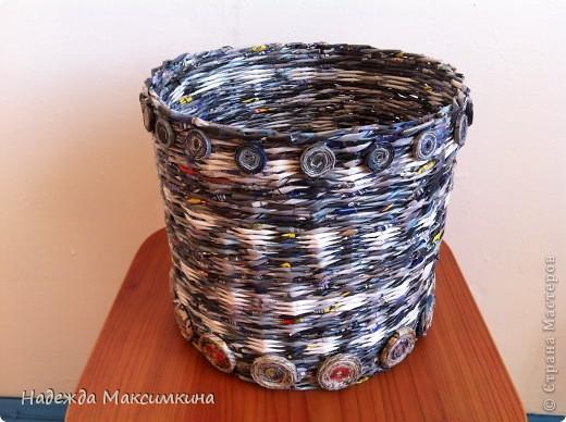 Привет всем! очередные мои плетушки...  Здесь просто понравилась расцветка журнала.