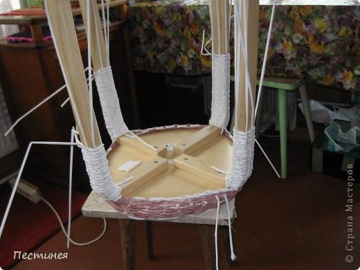 табуреточка ( дерево) из Икеа оплетена трубочки из офисной бумаги покрашено морилкой = колер= лак. фото 4
