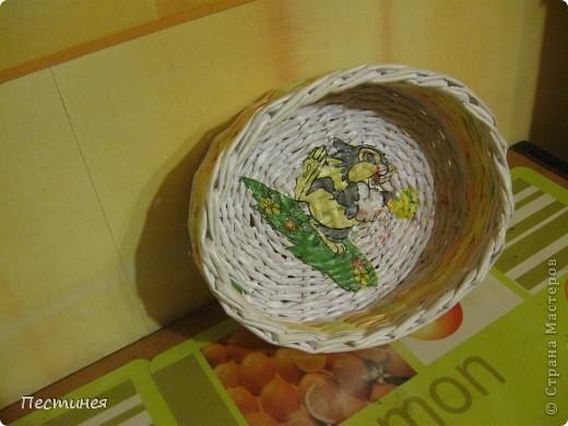 табуреточка ( дерево) из Икеа оплетена трубочки из офисной бумаги покрашено морилкой = колер= лак. фото 6