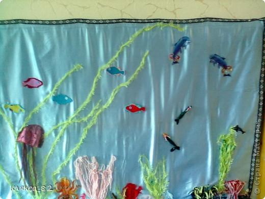 вот такой получился аквариум из различного материала в группу моей дочечки, р-р 100х200 см фото 3