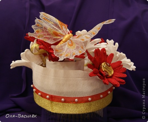 Мой подарок воспитателям в детский сад на день воспитателя 27 сентября. Первый раз пробовала сделать хризантемы, но получились то ли ромашки, то ли герберы, вообщем гибрид)))  фото 7