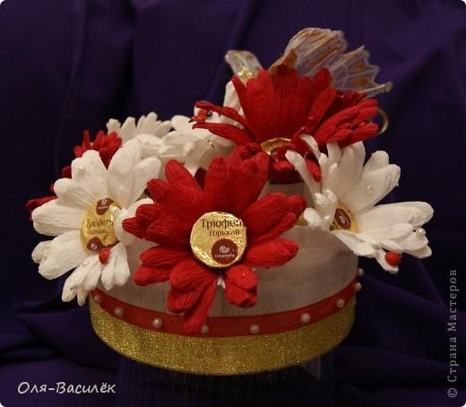 Мой подарок воспитателям в детский сад на день воспитателя 27 сентября. Первый раз пробовала сделать хризантемы, но получились то ли ромашки, то ли герберы, вообщем гибрид)))  фото 8