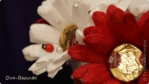 Мой подарок воспитателям в детский сад на день воспитателя 27 сентября. Первый раз пробовала сделать хризантемы, но получились то ли ромашки, то ли герберы, вообщем гибрид)))  фото 10