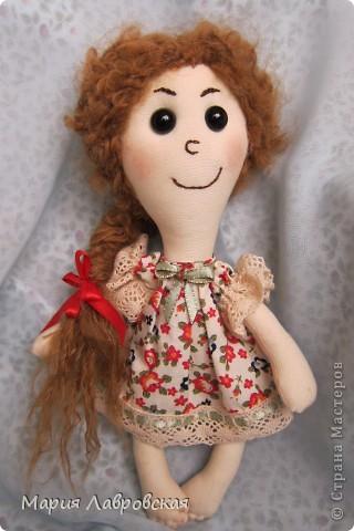 Захотелось  мне как-то сшить  двух  маленьких куколок.  Ростом девчушки  получились15 см. фото 3