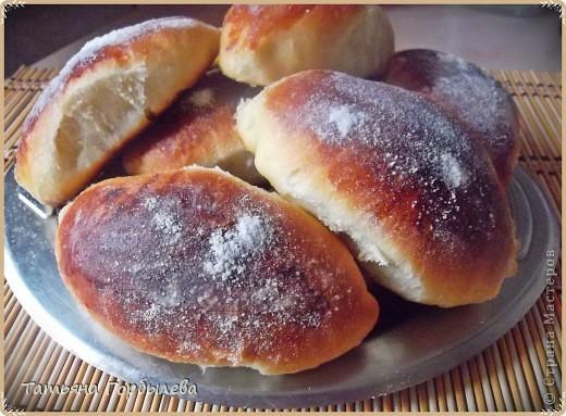 Доброго всем времени суток!!!! Попробовала сдобное дрожжевое тесто по рецепту Ольги Петри.Печь из него можно абсолютно любую сдобу: и пирожки, и булочки, и пироги!!!! фото 6