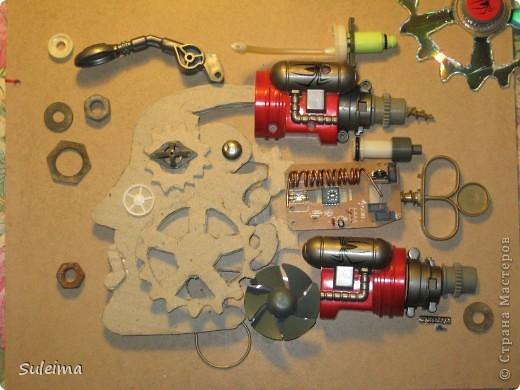 Картина панно рисунок Аппликация Стимпанк или биомеханика Картон гофрированный Материал бросовый фото 3