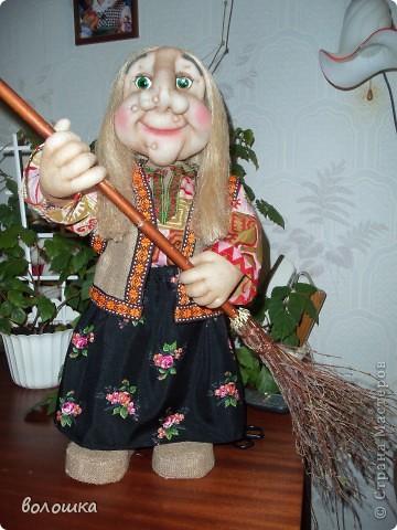 Это первая моя кукла которая стоит самостоятельно  благодаря проволке пожожче и  тапочкам . фото 3