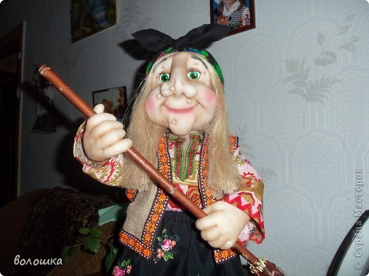 Это первая моя кукла которая стоит самостоятельно  благодаря проволке пожожче и  тапочкам . фото 7