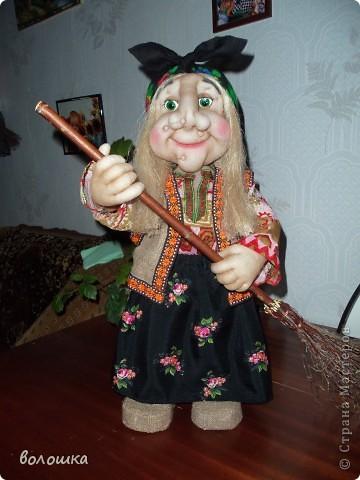 Это первая моя кукла которая стоит самостоятельно  благодаря проволке пожожче и  тапочкам . фото 2