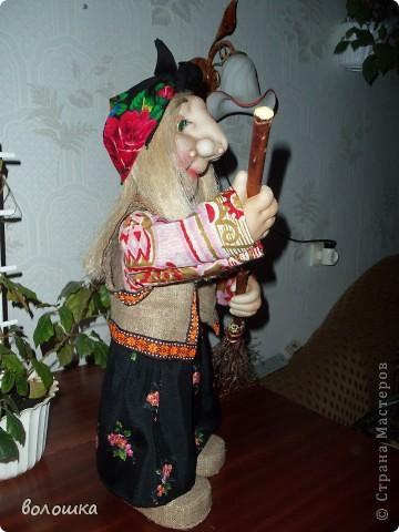 Это первая моя кукла которая стоит самостоятельно  благодаря проволке пожожче и  тапочкам . фото 5
