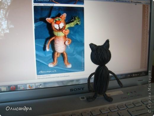 """Здравствуйте! Здравствуйте! Здравствуйте! Сегодня хочу показать Вам мое новое увлечение... игрушки-мотанки... Если эта техника Вас заинтересует, то необходимые мастер-классы найдете здесь...  http://www.liveinternet.ru/users/3909035/rubric/2100167  А мои игрушки сделаны по этому МК http://mastera-rukodeliya.ru/raznoe/1510-sherstyanushki.html только потом обратила внимание, что Светлячок и К """"живет"""" в нашей Стране Мастеров и этот МК скопирован из ее блога https://stranamasterov.ru/node/178799?t=451  теперь ее НИК ... Каночкина Светлана фото 12"""