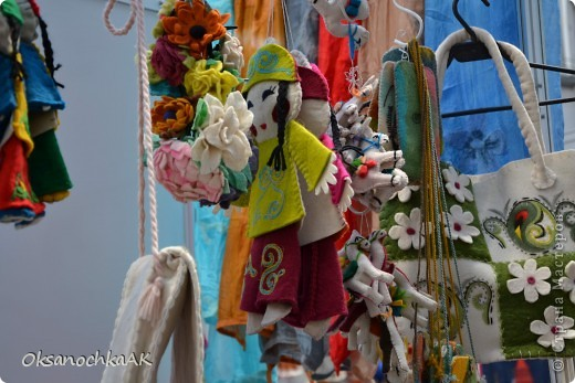 """Здравствуйте все! Как и обещала, выкладываю фотоотчетс выставки, на которой представлены и мои работы.  1 часть посвящена работм, которые там были. 2 часть-моим (и не только). Фотографии сделаны не мной. Но все понятно, что к чему.:) Вот такая красивая кукла.. """"Яшма-королева камней"""". фото 25"""