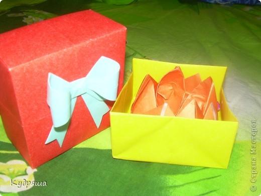 Дорогие мастерицы!!! По скольку скоро день Учителя, а я их уважаю,Я сделала такие милые подарочки. Подготовилась так сказать заранее.Вот и все мои маленькие подарки.Простите за фон. И так начнём представление !!  Вот : фото 2
