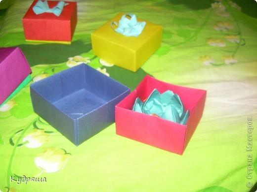 Дорогие мастерицы!!! По скольку скоро день Учителя, а я их уважаю,Я сделала такие милые подарочки. Подготовилась так сказать заранее.Вот и все мои маленькие подарки.Простите за фон. И так начнём представление !!  Вот : фото 9