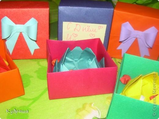 Дорогие мастерицы!!! По скольку скоро день Учителя, а я их уважаю,Я сделала такие милые подарочки. Подготовилась так сказать заранее.Вот и все мои маленькие подарки.Простите за фон. И так начнём представление !!  Вот : фото 7