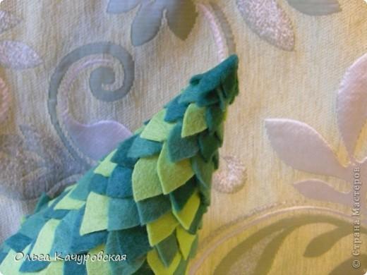 """Сентябрь.... рановато, конечно для ёлочек:-)))  Но раз уж мне достался день новогодней ёлочки (в конкурсе), то принимайте на ваш суд - """"Ёлочка новогодняя сентябрьская""""! Она будет сестричкой для предыдущей ёлочки из бумаги http://stranamasterov.ru/node/290317 . Ой, конечно, нескромно, но они мне обе оооооочень нравятся :-))) фото 21"""