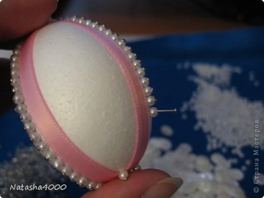 Производитель: Pinflair, Англия Размер: 65 мм В составе набора: яйцо из плотного полистирола, булавки, блестки, бисер, лента, цветы из блесток, инструкция на английском языке. фото 5