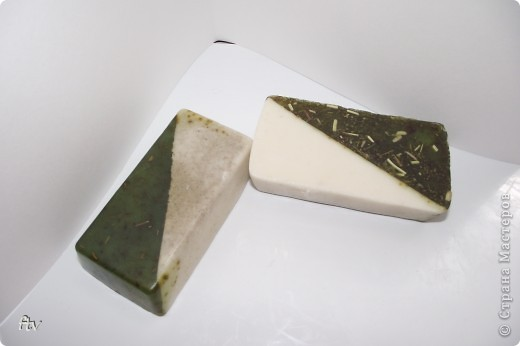 Это мыло изготовлено с добавлением масла ши и эфирного масла пачули фото 2