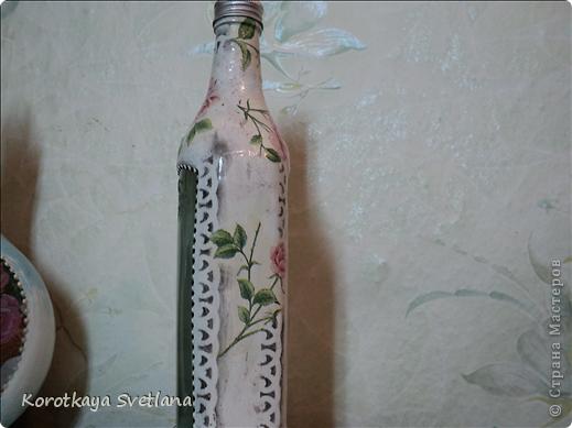 Приветствую всех зашедших в гости! Я опять надекупажила кучу бутылок. Прошу прощения за огромное количество фоток. фото 32