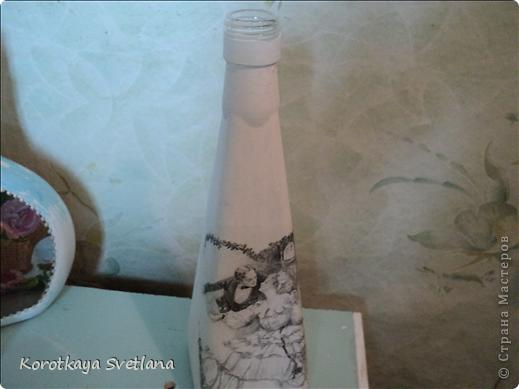 Приветствую всех зашедших в гости! Я опять надекупажила кучу бутылок. Прошу прощения за огромное количество фоток. фото 23