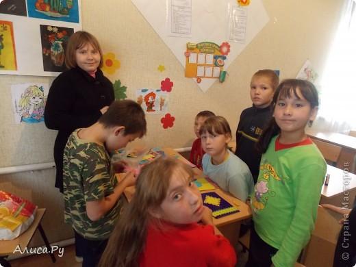 Мы очень давно хотели сходить к ребятам в детский приют. И вот нас пригласили сегодня в три часа дня. Это подарки которые мы подарили ребятам. В подготовке подарков мне и бабуле помогла Анна Никитина. Она прислала для ребят цветную бумагу и картон.Мы немного надыроколили для будущих открыточек. Сшили игрушки, но получилось их мало. В следующий раз нашьём побольше и подарим им. фото 13