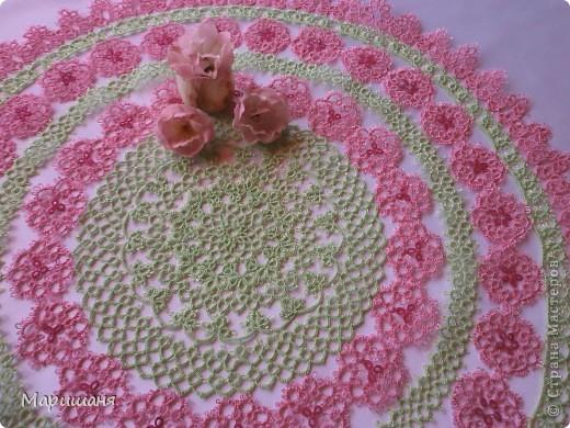 Добрый день всем! сегодня я хочу показать несколько своих работ по фриволите - это цветочные сафлетки.  салфетка Фиалки (или анютины глазки :-), кому как нравится ).  фото 8