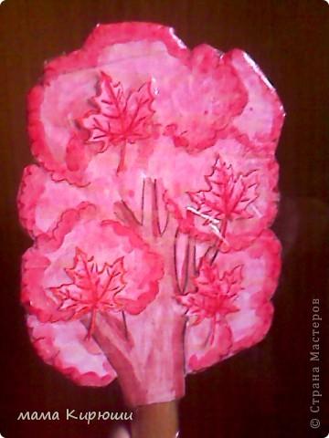 подбери листочки к деревьям, и наклей на липкие полоски фото 4