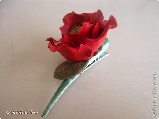 Всем привет!) Хочу вот вам показать мою вторую уже заколочку (мне определенно нравится их создание). Как известно цветущий мак является символом женского очарования, наверное, именно по этому именно этот цветок я выбрала когда делала украшение для моей сестренки). Изначально заколочка выглядела так... фото 3