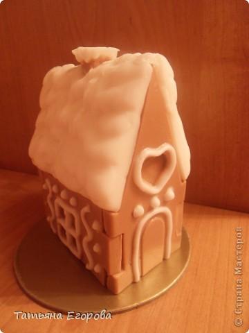 Скоро Новый год, не успеем оглянуться.... Вот и решила сварить вот такой мыльный пряничный домик ;-) фото 1