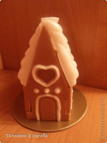 Скоро Новый год, не успеем оглянуться.... Вот и решила сварить вот такой мыльный пряничный домик ;-) фото 3