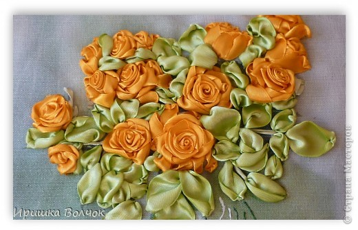 """Доброго времени суток,дорогие мастерицы! Сегодня хочу с Вами поделится еще одной работой: Вышивкой лентами-""""Розы"""". фото 3"""
