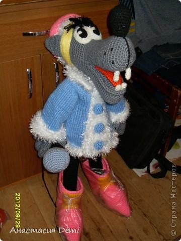"""Волк в костюме Снегурочки из мультфильма """"Ну, погоди!"""" фото 1"""