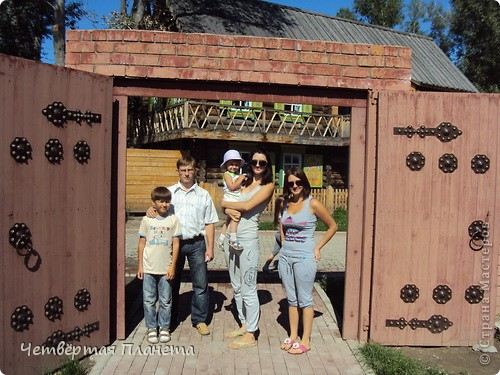 Главным мероприятием в Усть-Каменогорске стало посещение музейного комплекса.Он представляет собой множество инсталяций и реконструкций быта разных национальностей в Казахстане в 18-начале 20 вв. фото 27