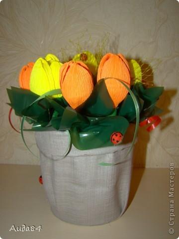 В качестве пробы, училась делать тюльпаны. Пока не ровно... но учимся. фото 1