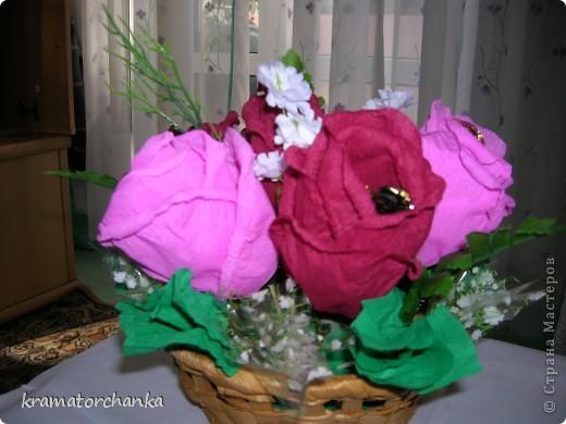 Вот такие сладкие подарки приготовили учителям на презенты. Семь корзинок с цветами, большая гроздь винограда и малая, шкатулка для классного руководителя. фото 5