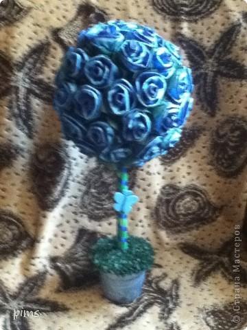 Дерево делала брату в подарок, качество снимка правда не очень, но хотелось показать, что использовались салфетки двух цветов темно синего и голубого  фото 1