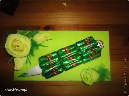 вот такой карандашик сделала для сестренки на день учителя. конфетки использовала какие нашла в ближайшем магазине... хотелось конечно другие, но увы...