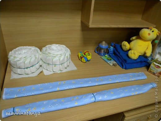 Предлагаю Вашему вниманию мастер-класс по изготовлению оригинального подарка из памперсов для мальчика. фото 10