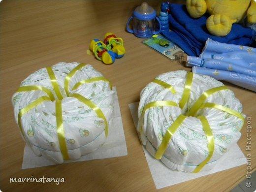 Предлагаю Вашему вниманию мастер-класс по изготовлению оригинального подарка из памперсов для мальчика. фото 11
