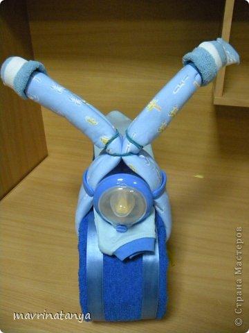Предлагаю Вашему вниманию мастер-класс по изготовлению оригинального подарка из памперсов для мальчика. фото 27