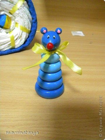 Предлагаю Вашему вниманию мастер-класс по изготовлению оригинального подарка из памперсов для мальчика. фото 30