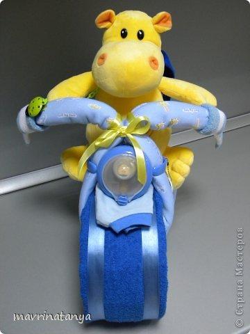 Предлагаю Вашему вниманию мастер-класс по изготовлению оригинального подарка из памперсов для мальчика. фото 35