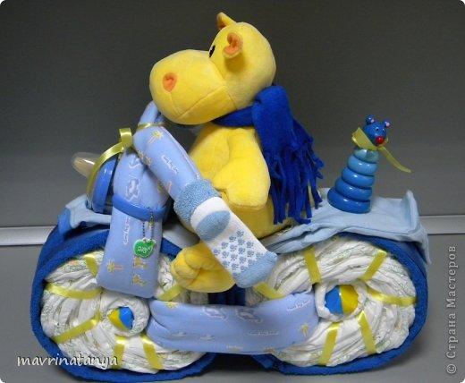 Предлагаю Вашему вниманию мастер-класс по изготовлению оригинального подарка из памперсов для мальчика. фото 36
