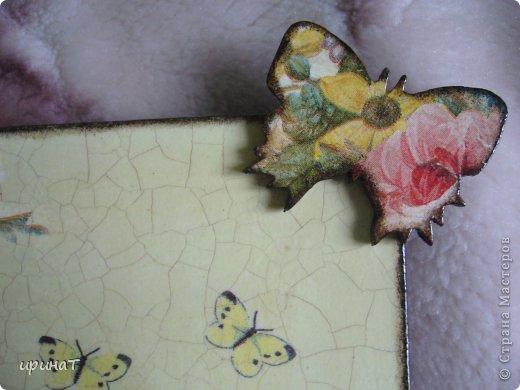 Здравствуйте дорогие жители Страны Мастеров хочу показать Вам свои новые работы. Зеркало икеевское будет ключницей, когда найду подходящие крючки. Заготовка, салфетка, лак, кракелюр одношаговый Декола, бабочка деревянная. фото 2