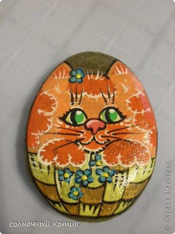 Насмотрелась в интернете разрисованных камней , решила и сама попробовать . Вот , что получилось. Кошачее семейство прям... фото 5