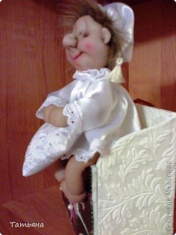 За основу взят мастер-класс Ликмы по изготовлению малыша Сплюши. А устроился Хранитель снов на подушке, которую тоже сшила я.  фото 3