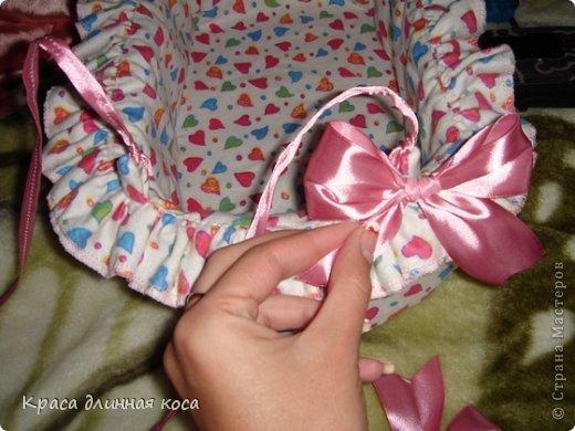 Здравствуйте! хочу рассказать вам как я делала люльку для куклы своей дочке  фото 17