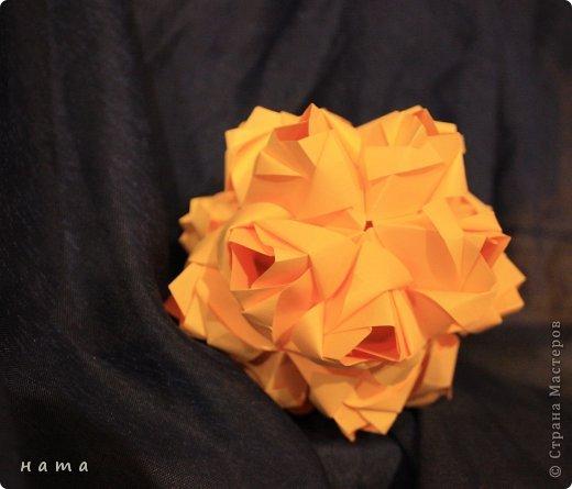Благодаря Оле https://stranamasterov.ru/node/421934 я открыла для себя мир кусудам Марии Синайской  Little Roses Kusudama (squares) - 30 модулей. Наинежнейшее создание, Чайная роза... МК: http://goorigami.com/diagrams/little-roses-kusudama  Видео МК: http://www.youtube.com/watch?v=d9r2Llb8f8w  фото 2