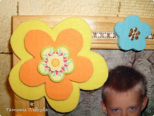 """Мая вторая ключница на День рождение двоюродной сестре.На фото её дети и собачка Ева.Её третий ребёнок.Рамку решила оформить в цветах т.к.""""Дети цветы жизни!"""" и чтобы было по веселее добавила бабочку. фото 3"""